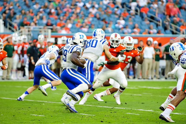 Shaun Wilson, Duke RB, returns a kickoff