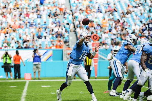 Matt Cassel throws a pass