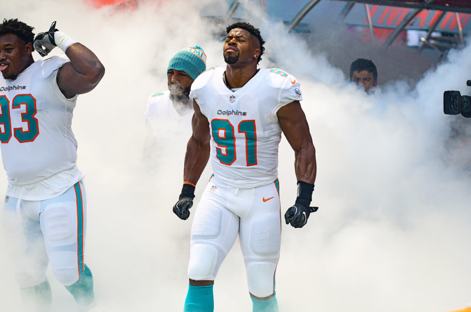 Miami Dolphins Beat Oakland Raiders