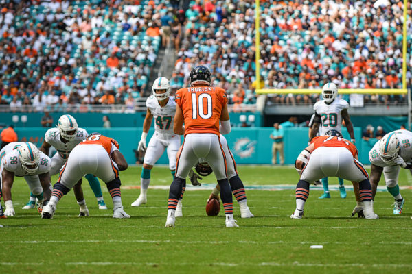 Chicago Bears quarterback Mitchell Trubisky (10) lines up behind the offensive line
