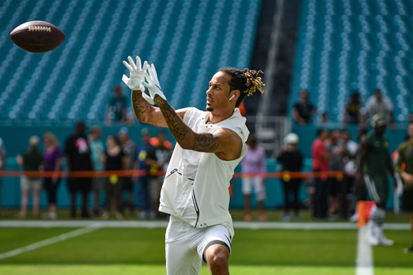 New York Jets wide receiver Robby Anderson (11) warms up