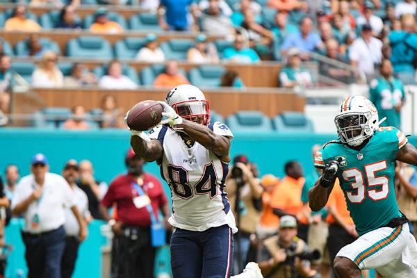 New England Patriots wide receiver Cordarrelle Patterson (84) finger tip grabs a touchdown