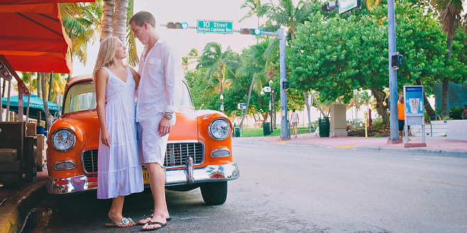 Ocean Drive Engagement Photo Shoot